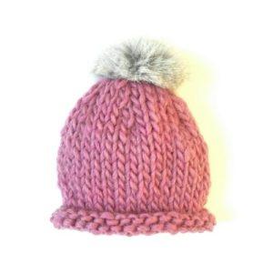 gorro de lana con pompn de pelo para beb en rosa viejo