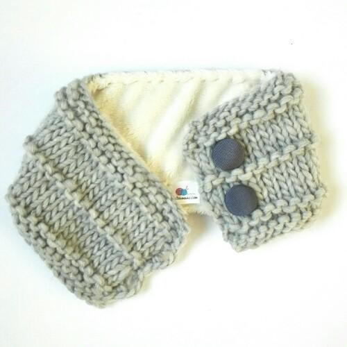 Cuello de lana para niños forrado en gris con botones a3df96bb92d