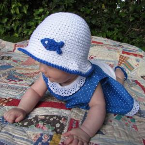 0fa4e2f35ede7 Gorro bebé-niño de verano Blanco con pez en algodón de 5 a 12 meses