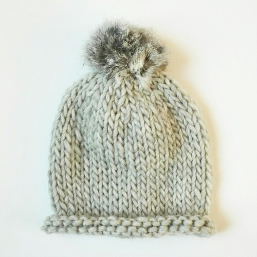 Gorro de lana para bebé con pompón de pelo en gris claro 55251491081