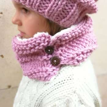 Cuello de lana forrado para niña con botones en Rosa o Beige f55f3468fca