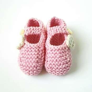 3d8d3c02a9f Patuco de bebé en algodón reciclado en rosa y flor cruda
